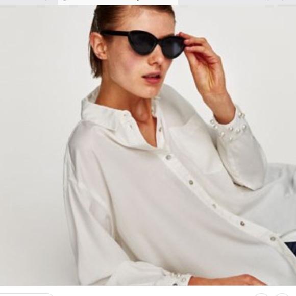 Zara Tops - Blogger Fave ! White button down w/ Pearl Cuffs